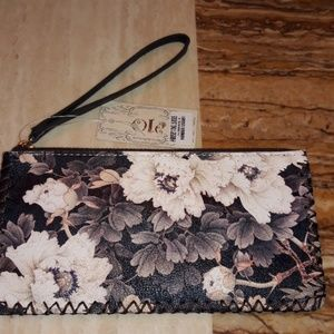 Handbags - New Leather Wristlet Floral